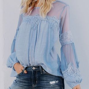 Tops - ▪️🆕2xHP/Blue Ice Sheer Lace Blouse